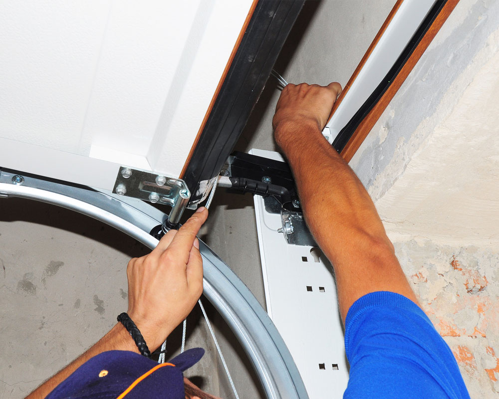 Garage door repair hamilton by professional garage door team spring replacement in hamilton solutioingenieria Image collections