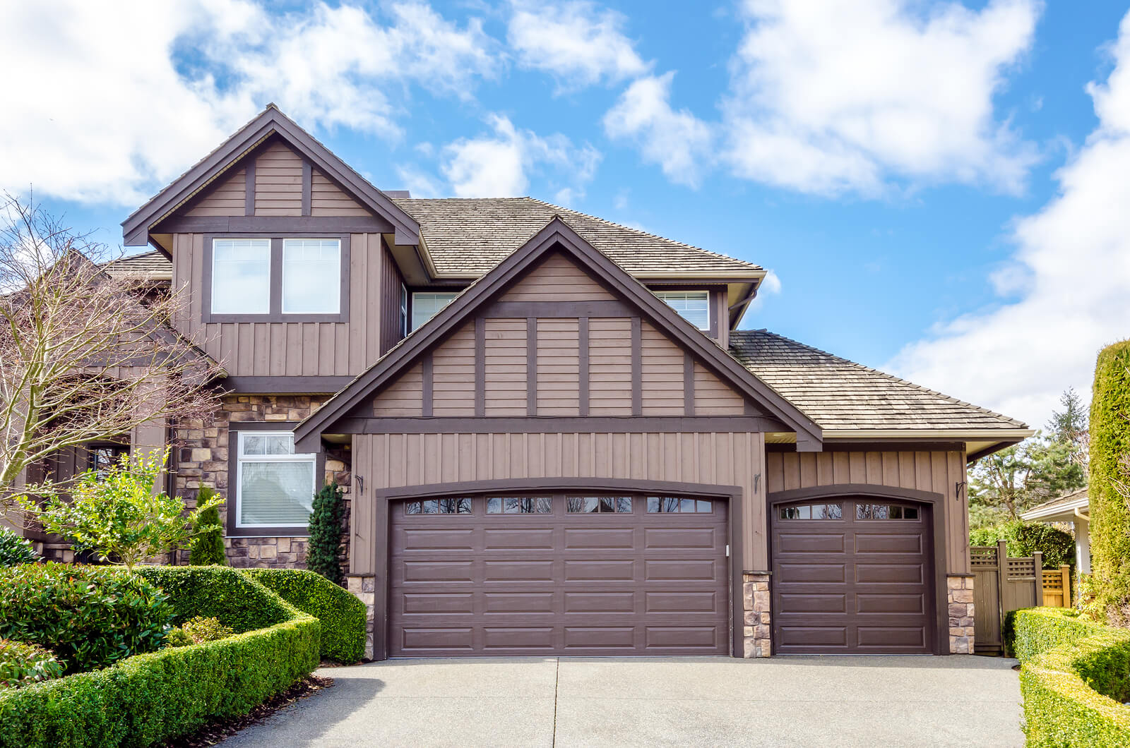 Waterloo garage doors repair and installation services on looking for a new garage door in waterloo solutioingenieria Image collections