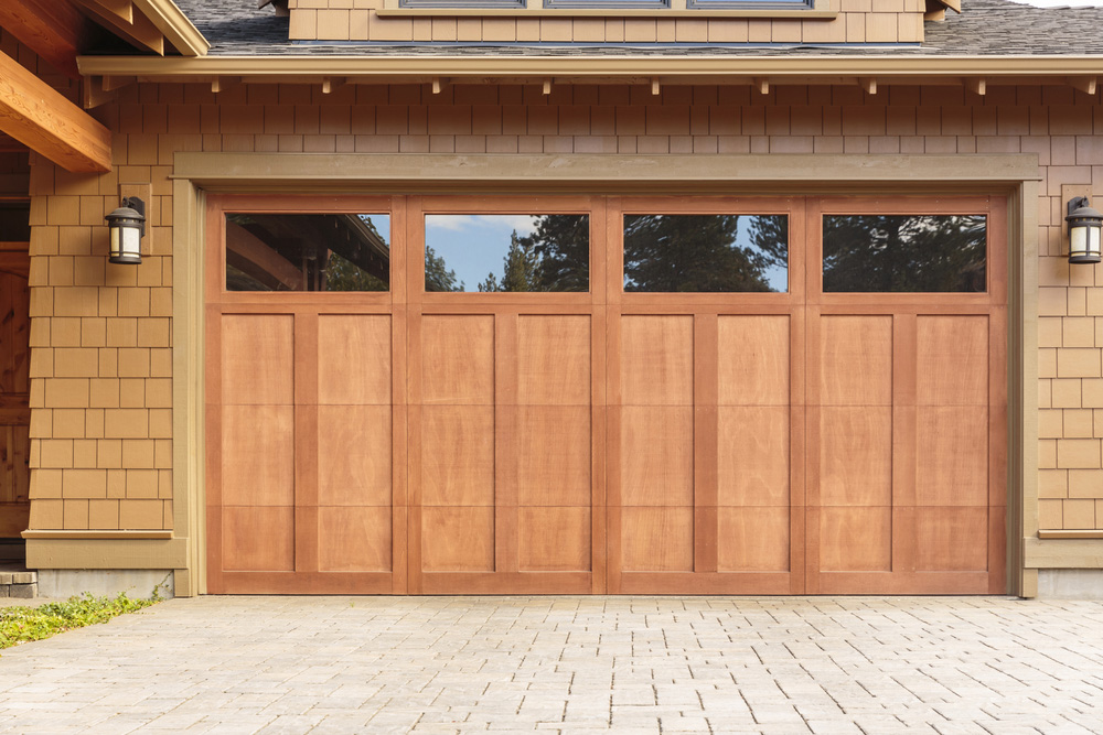6 Reasons to Let Professionals Maintain Garage Door